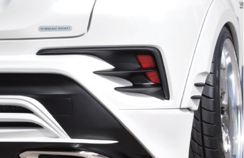 C-HR REAR REFLECTOR GARNIISH